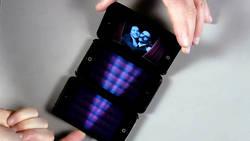 Marco Tempest réalise un incroyable tour de magie avec trois iPod  En savoir plus: http://www.gentside.com/magie/marco-tempest-realise-un-incroyable-tour-de-magie-avec-trois-ipod_art59932.html Copyright © Gentside