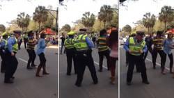 Ce policier fait rire tout le public ! Découvrez pourquoi !